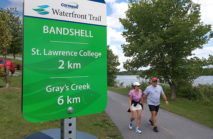 Waterfront-Trail-Distance-Signs